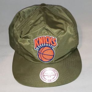 e5a9c1f3e36 Mitchell   Ness Accessories - New York Knicks Adjustable Cap